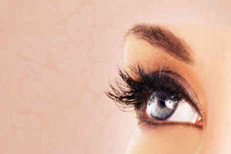 Global Deals - False Eyelashes 10 Pairs - Save 60%