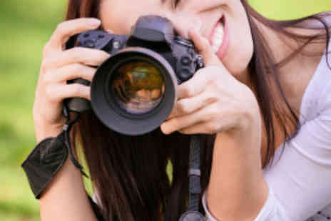 Frui Creative Holidays and Courses - Three Hour Digital SLR Photography Class - Save 68%