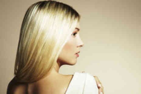 Cutting It - Half head of foil highlights, cut and blow dry with an Expert Stylist - Save 74%