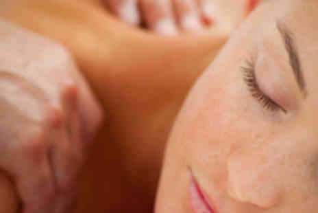 Metta - Deep Tissue Massage with Head Massage - Save 54%