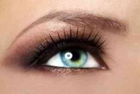 Make Me Up - Full set of mink eyelash extensions plus a brow shape - Save 79%