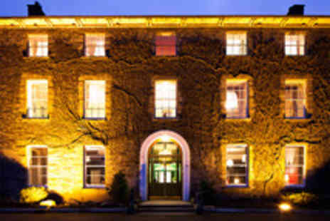 Hammet House - A night stay for 2 including breakfast & Prosecco on arrival - Save 54%