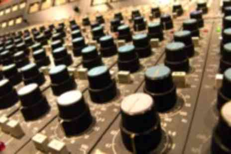 Garnish Music Production School - Music production taster class for beginners - Save 50%