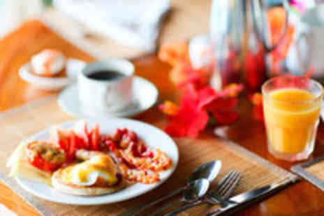 The Hole In the Wall Cafe - Breakfast or lunch for 2 including a drink each - Save 50%