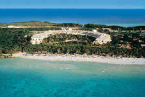 Cuba city - Hip Havana and an all-inclusive stay in paradisal Varadero - travel included - Save 20%