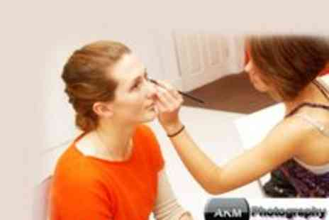 AKM Photography - Make Up Course  - Save 71%