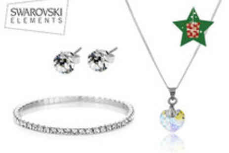 Diamond Style - Stunning Diamond Style Heart Pendant Set - Save 87%
