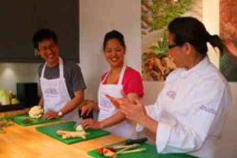 Krua Thai Cookery School - Thai Cooking Lesson Masterclass Krua School Edinburgh - Save 63%