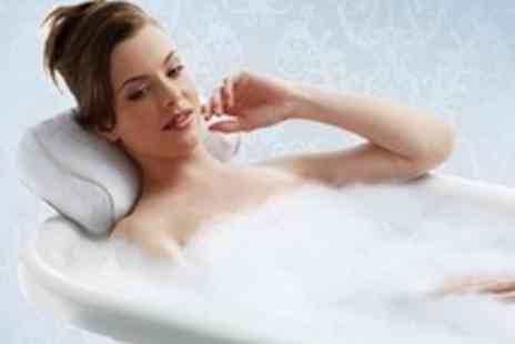 Zuvo - HoMedics MySpa vibrating bath pillow for ultimate relaxation - Save 75%