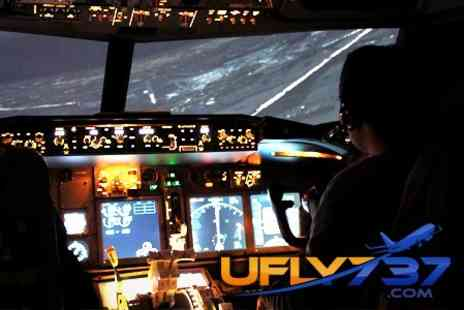 UFLY737 - Boeing 737 Flight Simulator Experience For 30 or 60 Minutes - Save 26%