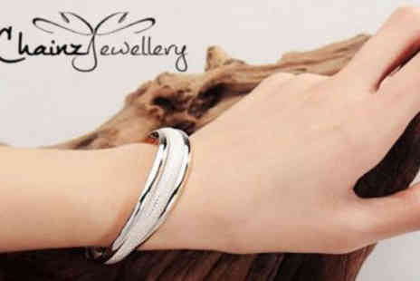ChainzJewellery.com - Stunning Sterling Silver Bangle - Save 83%