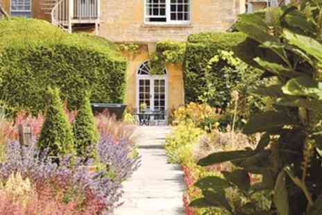 Cotswold House Hotel & Spa - Cond Nast Cotswolds Stay w/Dinner & Fizz - Save 55%