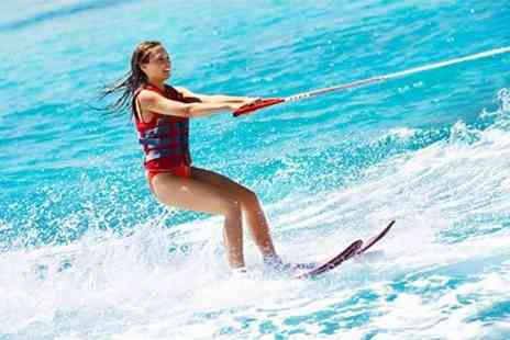 Quayside Wakeboard and Waterski - One Hour Wakeboard Lesson - Save 69%
