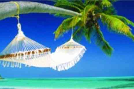 Encounters Travel - Eight day tropical tour of the Maldives - Save 32%