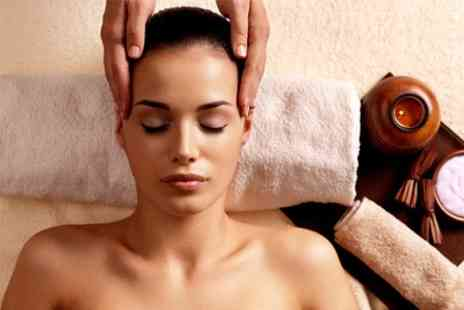 Hanna Flockhart - Indian Head Massage Plus Acupressure - Save 55%