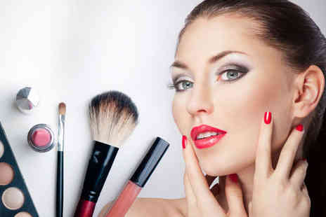 Make Up London Academy - Three Hour  Make Up Masterclass - Save 80%