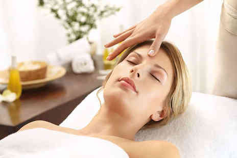 The Beauty Studio - 30 Minute Decleor Facial - Save 59%