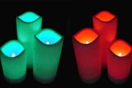 Betafresh BV - Three flameless LED candles with remote - Save 83%