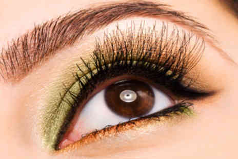 A Touch of Beauty - Eyelash Extension Training Course  - Save 50%