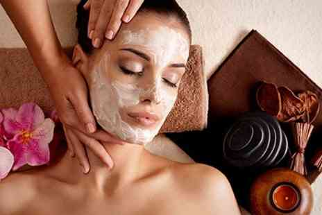 New Look Skincare Beauty Salon - Glycolic Facial Peel - Save 73%