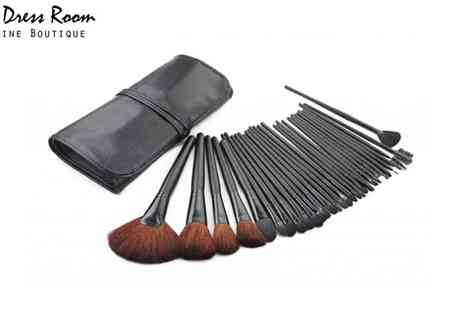 Dress Room - Thirty Two Piece Make Up Brush Set - Save 75%