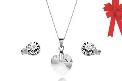 Diamond Style - Stunning Diamond Style Heart Pendant Set - Save 47%