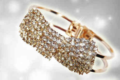 Flutterby Glam - Cute diamante bow bracelet with a glistening crystal bow - Save 67%
