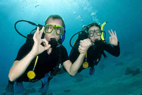 Clubsub - 135 min Valentine's Discover Scuba course for couples - Save 64%