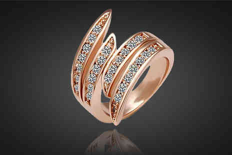 Chainz Jewellery - Stunning 18k rose gold plated crystal wave ring - Save 83%