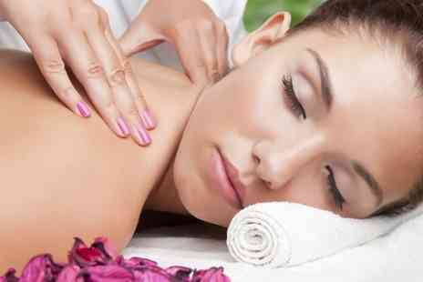 Glow Hair & Beauty - 30 Minutes Massage - Save 57%