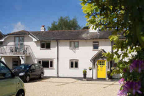 Cottage Lodge - New Forest Getaway in Eco Friendly Hotel for Two with Bucks Fizz Breakfast - Save 53%