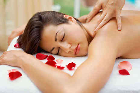 The Beauty Station - Back Neck and Shoulders Massage with Cleanse and Exfoliation - Save 67%