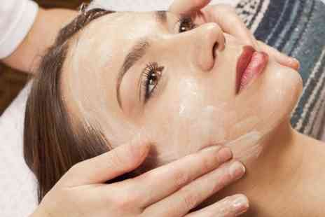 Maariyas Beauty Secret & Spa - One Hour Massage With Facial - Save 50%
