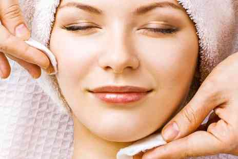 Dermatherapy Skin Clinic - Glycolic Facial Peel With Mask - Save 51%