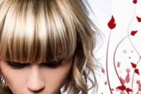 Dappa Hair Boutique - Haircut and Bumble & Bumble, Philip Kingsley or MOROCCANOIL Conditioning Treatment - Save 62%