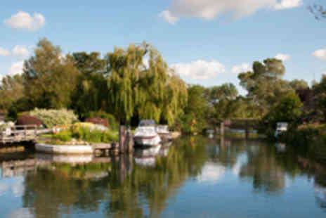 Oxford River Cruises - Oxford Thames Dinner Cruise for Two People - Save 43%