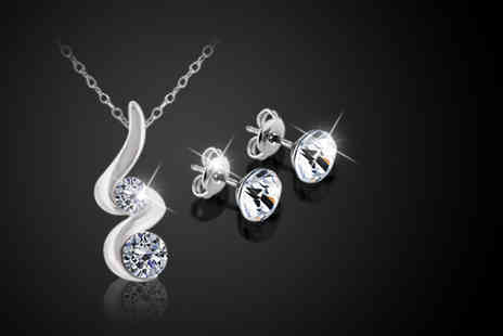 Diamond Style - Pendant and stud earring set made with Swarovski Elements - Save 75%