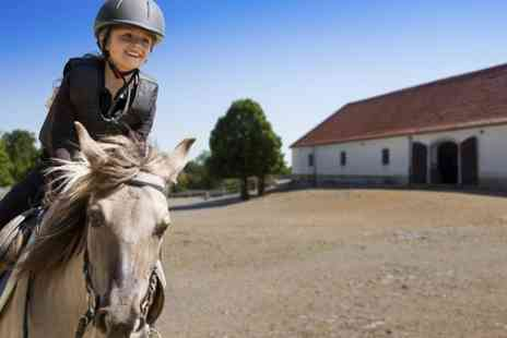 Croft Riding Centre - Horse Riding Lessons For Children  - Save 31%