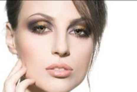 D-s Beauty Parlour - £15 for a £50 beauty voucher to spend - Save 70%