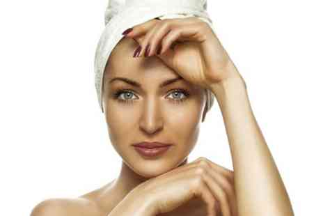 Beaute Parfaite - Facial  Plus Head or Back Massage - Save 53%