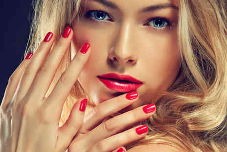 Te Amo Hair - Shellac manicure and pedicure - Save 50%