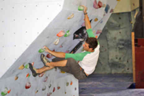 2Rock - Introduction to Bouldering for up to Five - Save 33%