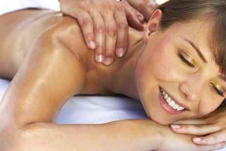 Rock Chic Beauty - One Hour Aromatherapy Massage  - Save 53%
