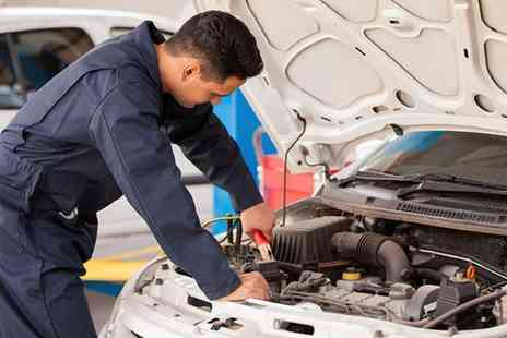 Ultimate Body Shop - Full winter car service including coolant, battery, tyre and light checks - Save 71%