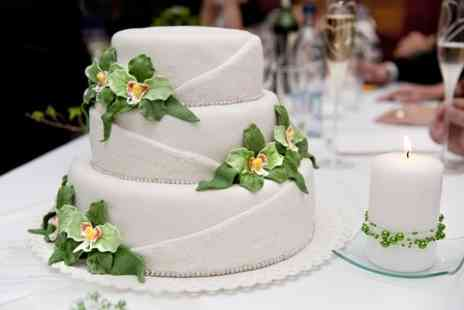 Mon Delices Cakes - Bespoke Wedding Cake - Save 70%