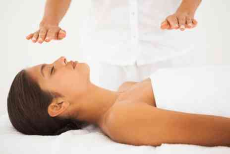 Drury Lane Clinic - One hour reiki session in Covent Garden - Save 50%
