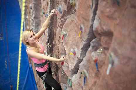 Urban Ascent - One hour beginners climbing session - Save 60%