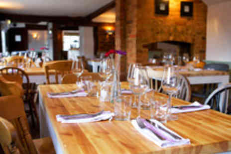 The Red Lion - Enjoy Classic British Dining for Two with Prosecco - Save 54%