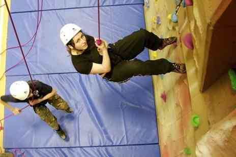Chessington rocks - One Hour Introductory Climbing Session - Save 50%