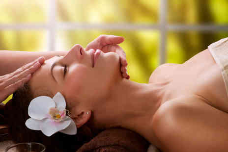 Sandra Kelly Beauty & Tanning - Deluxe facial including a mask and face massage - Save 74%